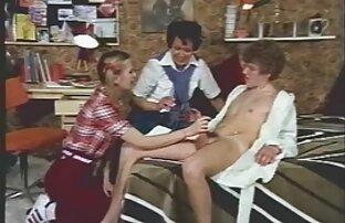 Geile Hausfrau hat einen Schwanz In ihrem saftigen Arschloch! www nackte reife frauen