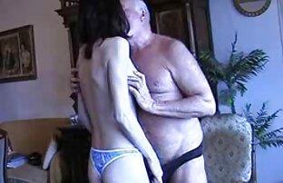 Brünette asiatische babe mit pornovideos reife frauen einem heißen rack reitet einen Fetten Schwanz