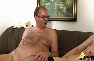 Big tit Asian babe immer dicked down von einem großen reife mutter sex Schwanz