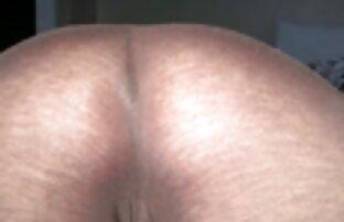 Big tit Krankenschwester zeigt Ihre großen racks und reibt Ihre Muschi xnxx reif