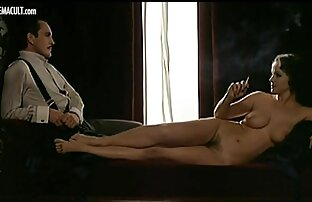 stripper hazel marie spielt pornofilme mit reifen damen anal gepiercte Arschloch
