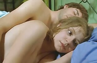 Blonde MILF nackte reife frauen beim sex Winnie ist anal auf dem Bett eingedrungen